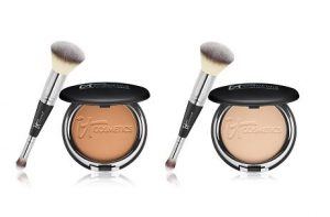 Two open blushes with brushes.