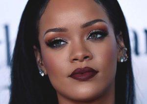 Rihanna with smoky eye look.